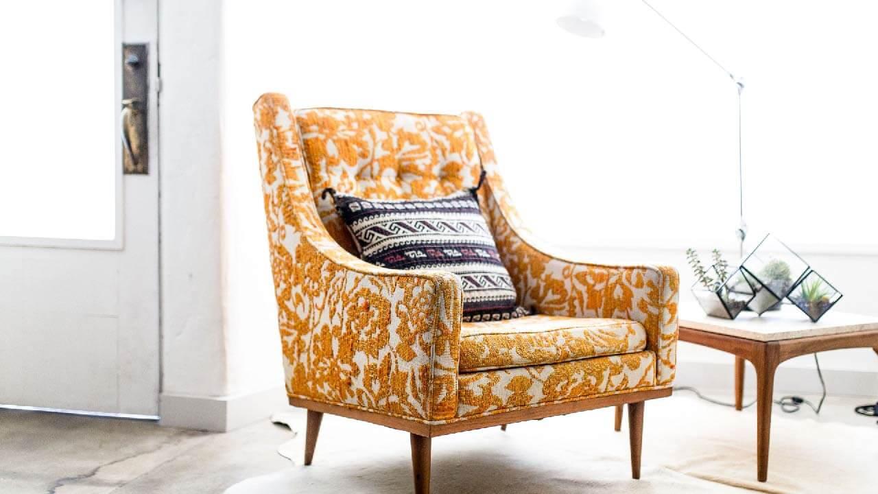 Chair-Banner