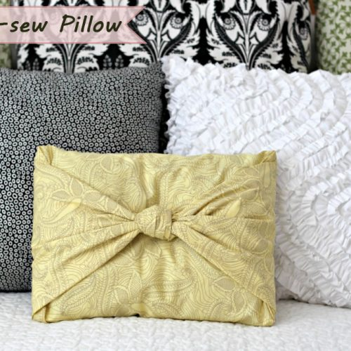 DIY No-sew Pillow